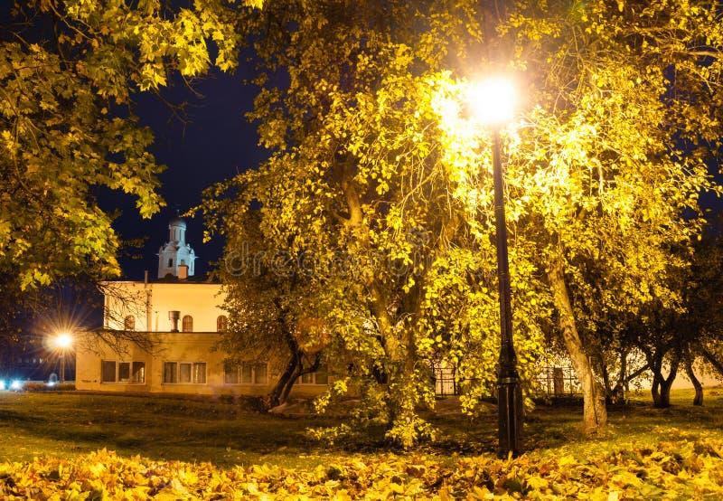 Glockenturm von Kathedrale St. Sophia im Kreml in Veliky Novgorod, Russland Abstrakte vektorabbildung stockbilder