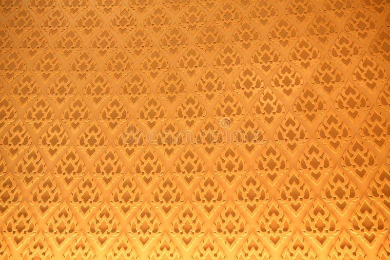 Glod传统泰国灰泥样式装饰在寺庙,泰国 库存照片