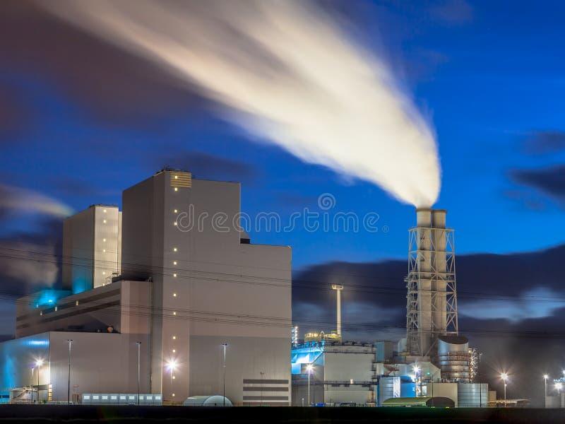 Gloednieuwe werkende elektrische centrale royalty-vrije stock afbeelding