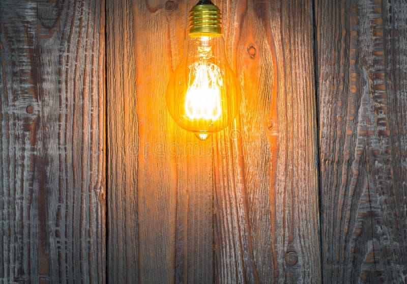 Download Gloeiende bol op het hout stock afbeelding. Afbeelding bestaande uit inspiratie - 54090383