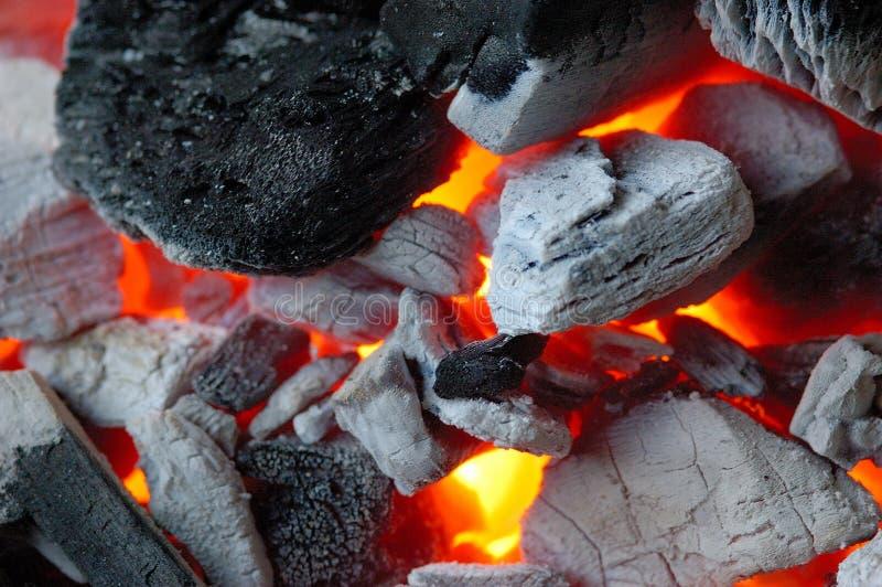 gloeiende steenkool stock foto's