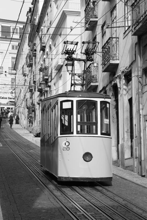 Gloria Funicular i Lissabon - BW royaltyfri foto