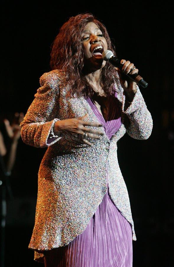 Gloria Gaynor führt im Konzert durch lizenzfreies stockbild