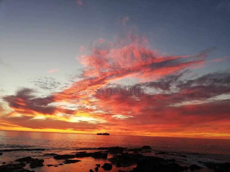 Glorierijke zonsonderganghemel stock fotografie