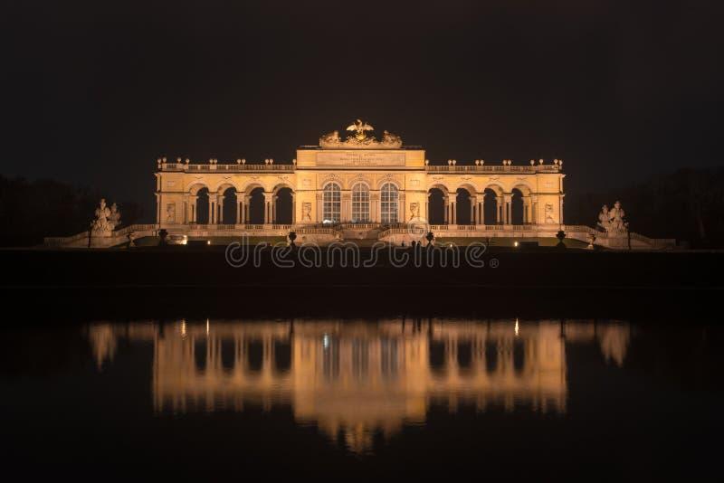 Gloriette dans des jardins de palais de Schoenbrunn - Vienne, Autriche photographie stock