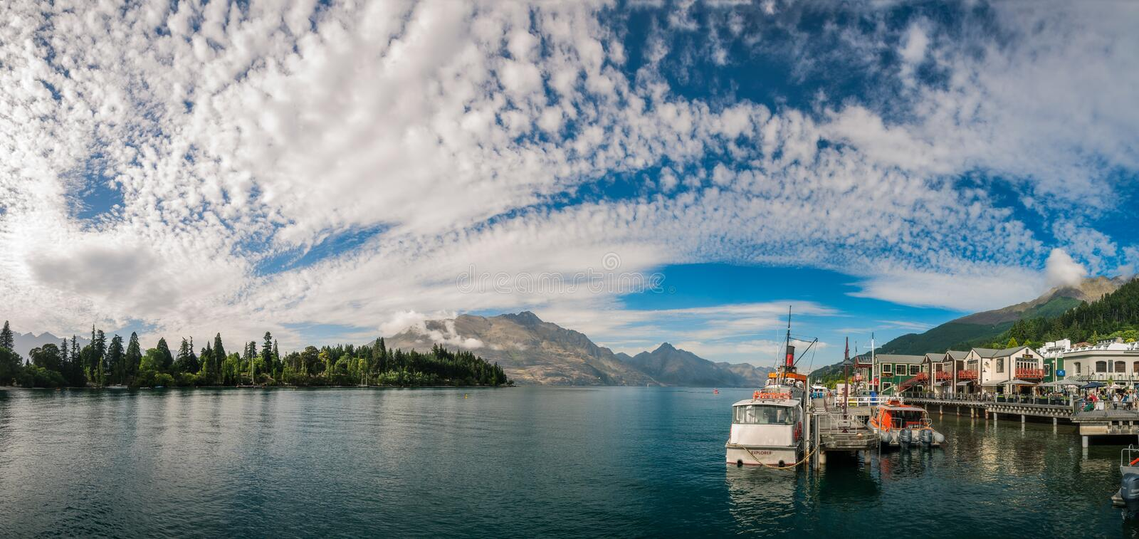 Download Glorious Morning In Queenstown Harbour Editorial Stock Image - Image of otago, boat: 107952014