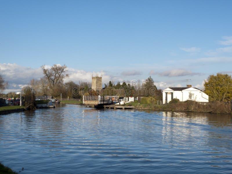 Gloucester u. Schärfe-Kanal nahe Frampton-auf-Severn, Gloucestershire, Großbritannien stockbilder