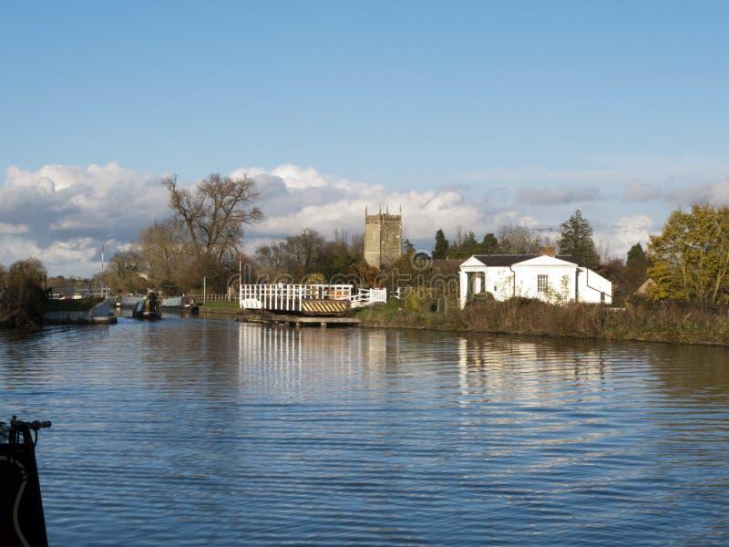 Gloucester y canal de la agudeza cerca Frampton-en-Severn, Gloucestershire, Reino Unido fotografía de archivo libre de regalías