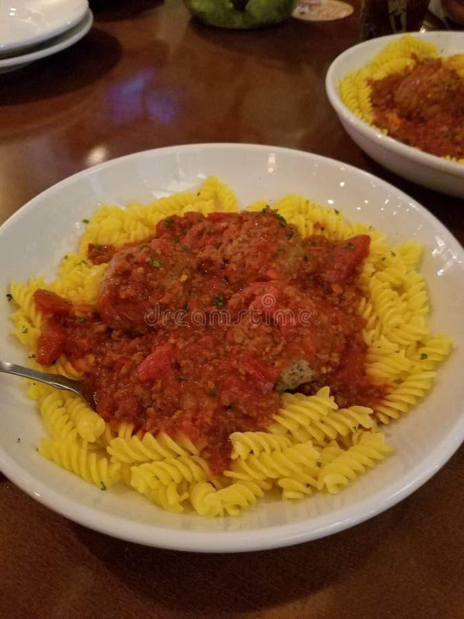 Gluten geben Rotini frei lizenzfreies stockfoto