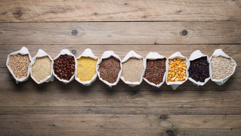 Gluten vrije graangewassen en zaden royalty-vrije stock foto's