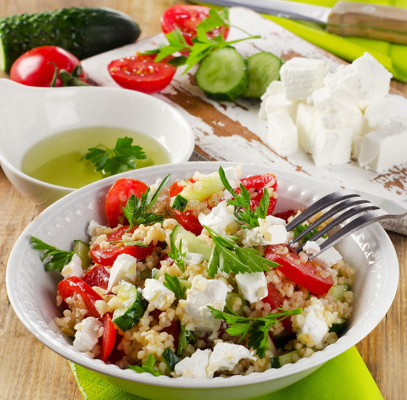 Gluten vrije salade met feta stock foto