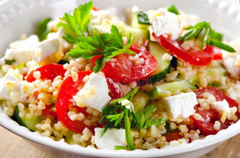 Gluten vrije vegetarische salade met een feta royalty-vrije stock afbeeldingen