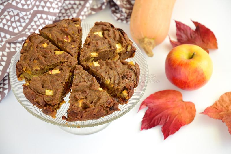 Glutenfreier veganischer Schokoladenkürbis stockfotos