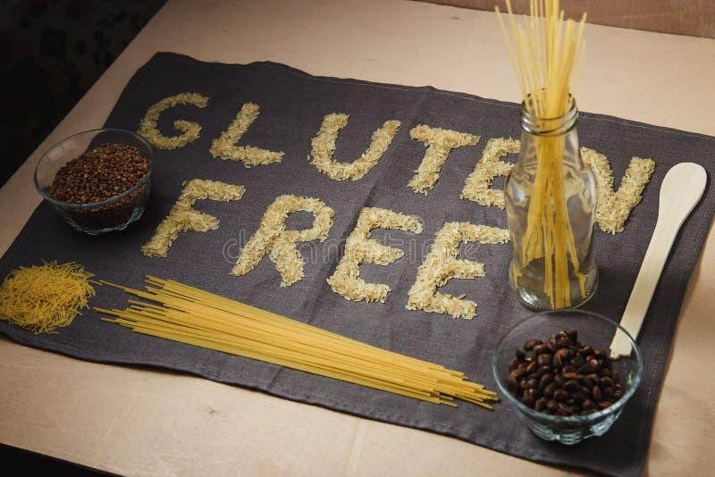 Glutenu bezpłatny słowo z szarym tłem obrazy royalty free