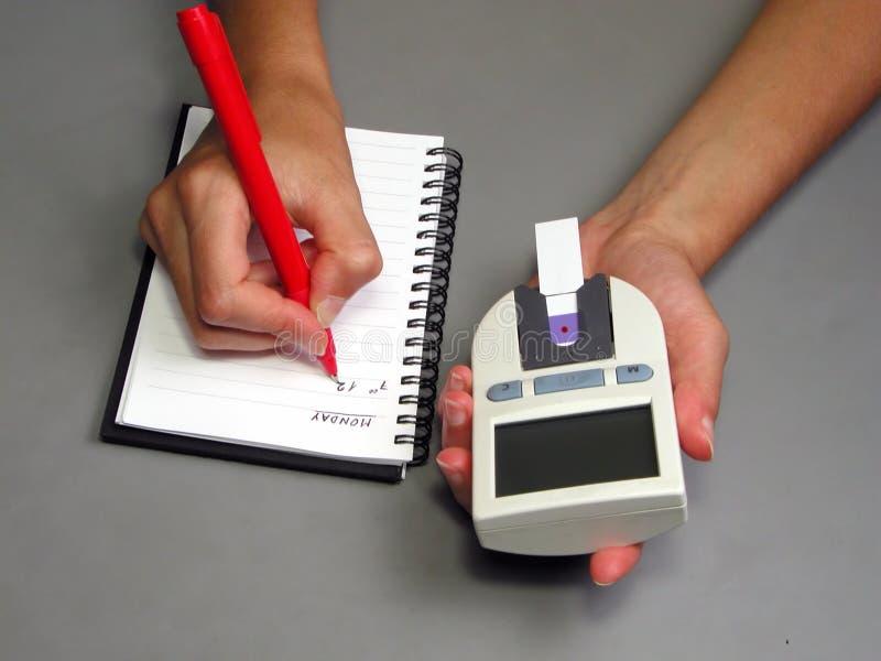 glycemiaregistrering fotografering för bildbyråer