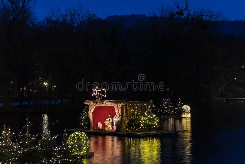 Gmunden, Komst, Schloss, Kerstmismarkt op meertraunsee stock afbeeldingen