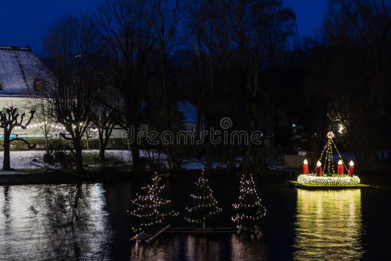 Gmunden, Komst, Schloss, Kerstmismarkt op meertraunsee royalty-vrije stock afbeelding