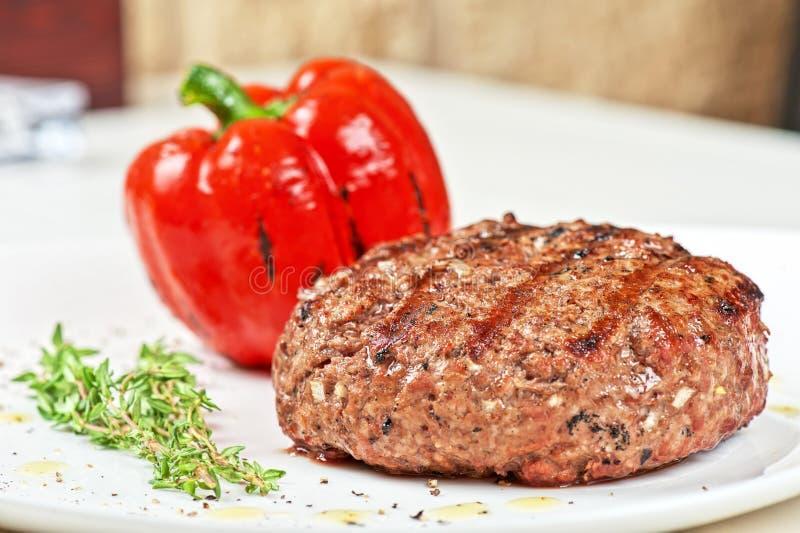 Gnälla steak arkivbilder