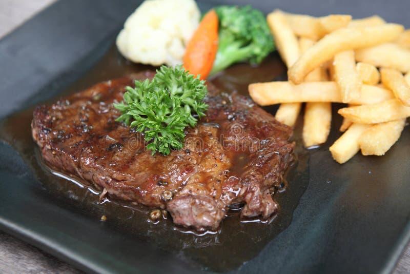 Gnälla steak arkivbild