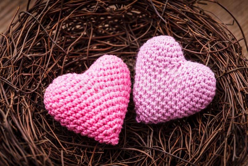 Download Gniazdeczko z sercami obraz stock. Obraz złożonej z dekoruje - 28951951