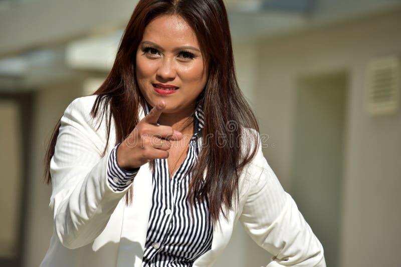 Gniewna Atrakcyjna Różnorodna Biznesowa kobieta obraz royalty free