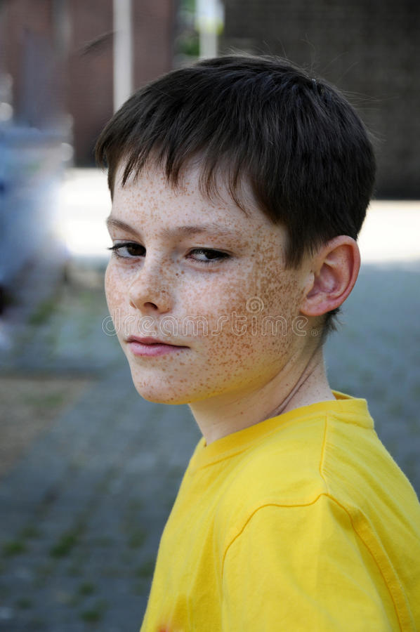 Gniewna chłopiec zdjęcia stock