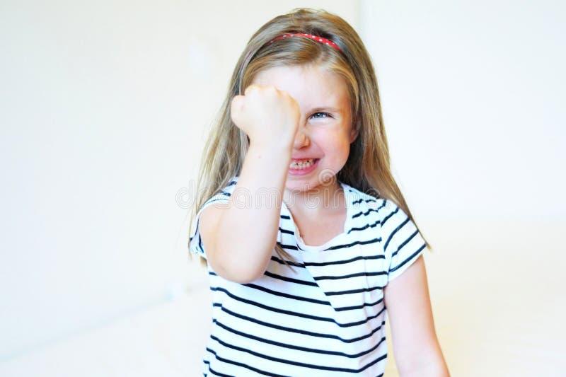 gniewnej dziewczyny mały berbeć obrazy stock