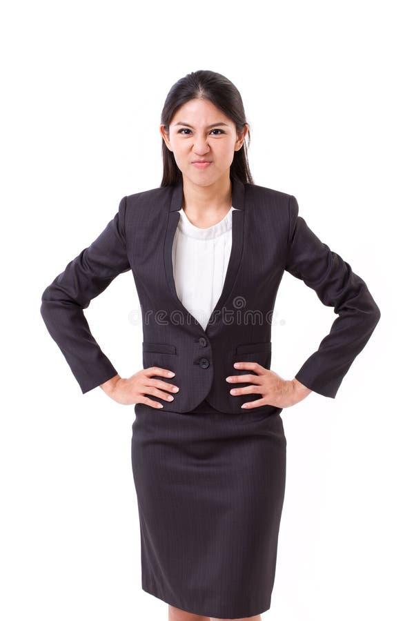 Gniewny azjatykci bizneswoman folująca długości pozycja obrazy royalty free
