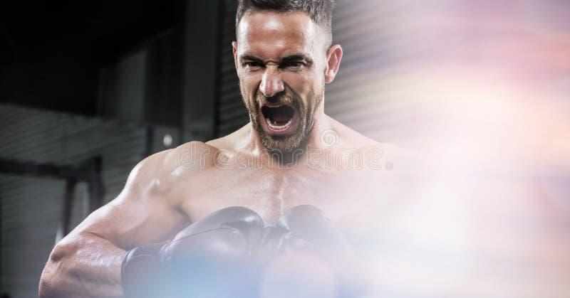 Gniewny bokser krzyczy przy gym zdjęcia royalty free