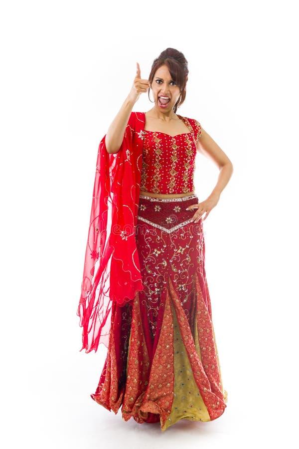 Download Gniewny Indiański Młodej Kobiety łajanie Someone Odizolowywający Na Białym Tle Zdjęcie Stock - Obraz złożonej z komunikacja, agresja: 41952418