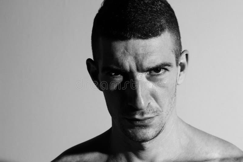 Gniewny mężczyzna antepedium obrazy stock