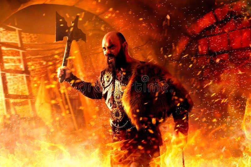 Gniewny Viking z cioska bojem w ogieniu fotografia stock