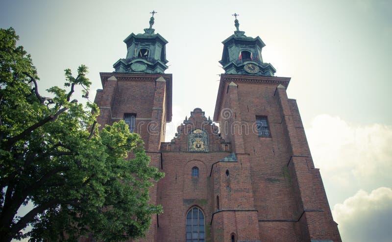 Gniezno, Polen Mening van de kathedraal de katholieke kerk stock foto's