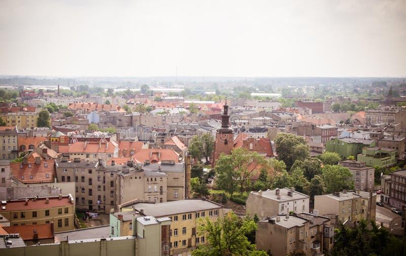 Gniezno Polen - sikt för stadspanorama på Gniezno royaltyfri fotografi