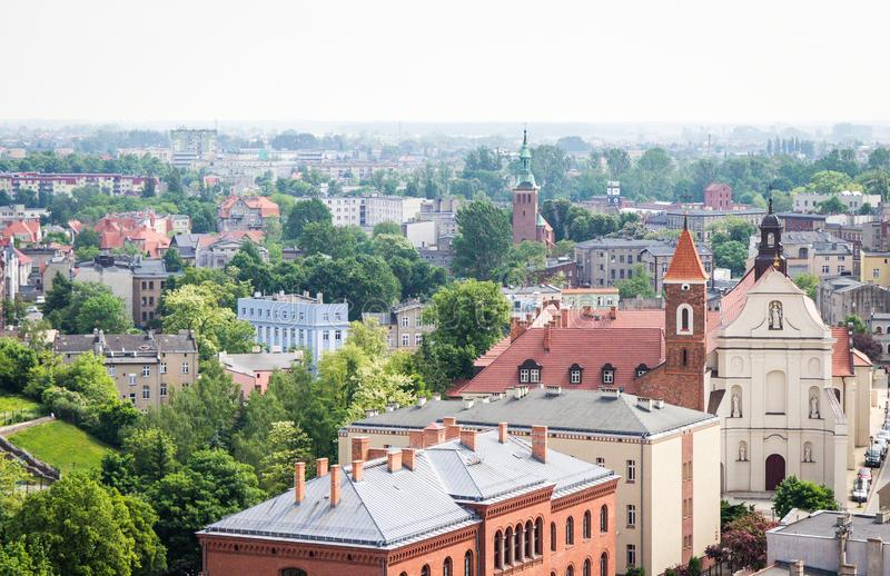 Gniezno Polen - sikt för stadspanorama på Gniezno arkivbilder