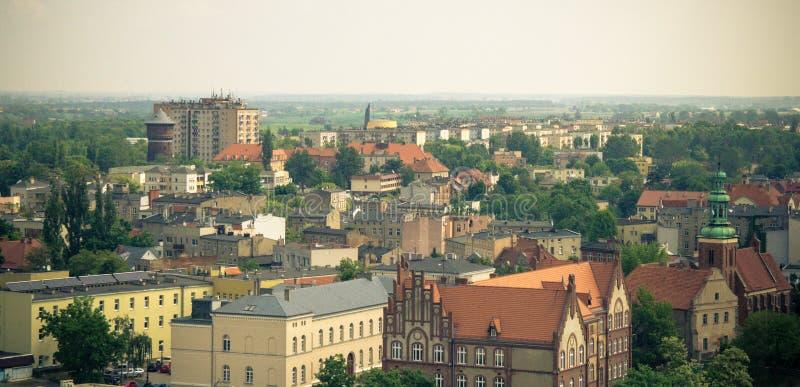 Gniezno Polen - sikt för stadspanorama på Gniezno royaltyfria foton