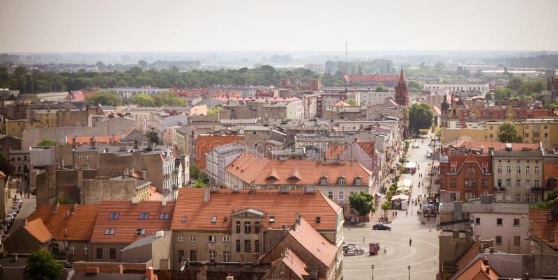 Gniezno Polen - sikt för stadspanorama på Gniezno fotografering för bildbyråer