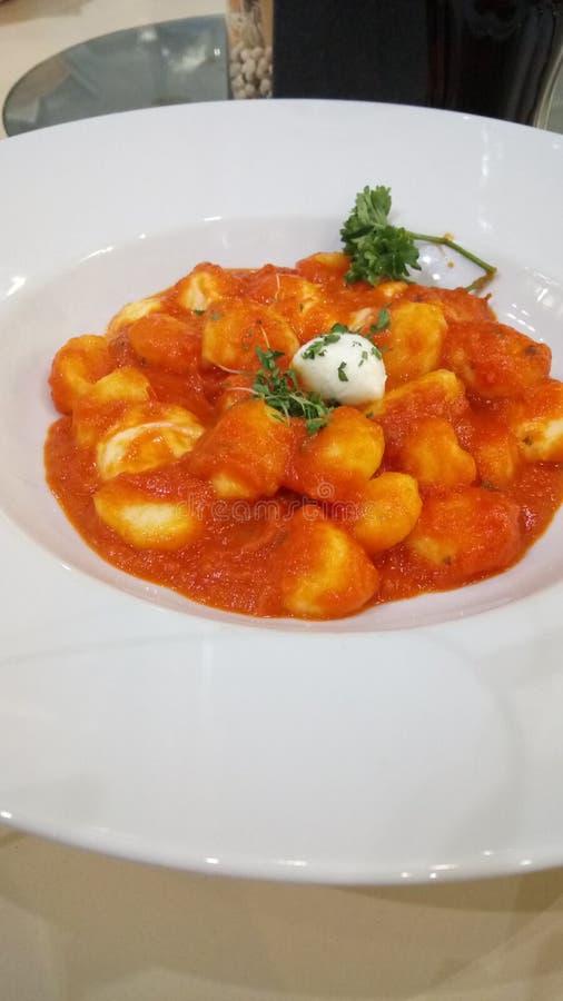 Gnocchi с моццареллой стоковые изображения rf