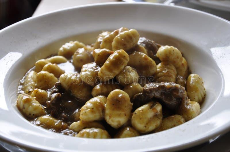 Gnocchi с ragout оленины стоковое фото
