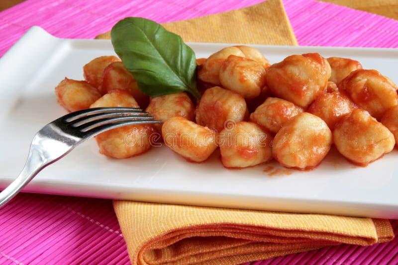 Gnocchi de la salsa de tomate imágenes de archivo libres de regalías