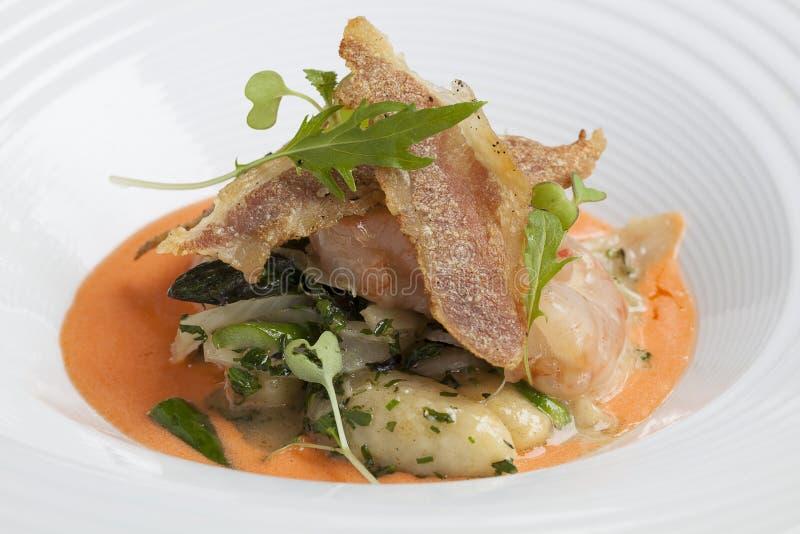 Gnocchi de Sautéed avec de la sauce à homard photos libres de droits
