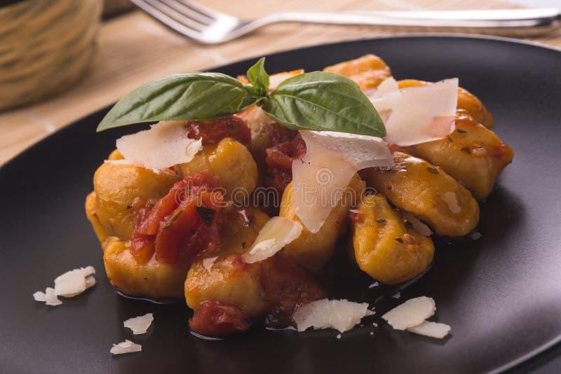 Gnocchi do italiano da abóbora fotos de stock