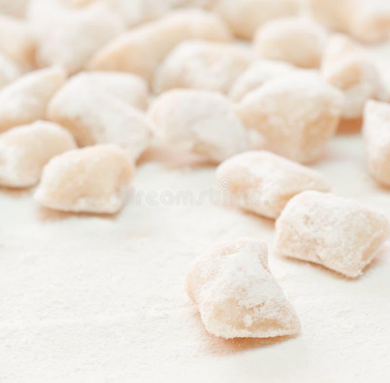 Gnocchi, pastas italianas imagenes de archivo
