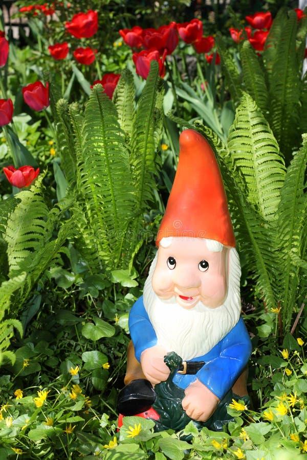 Gnome del giardino immagine stock