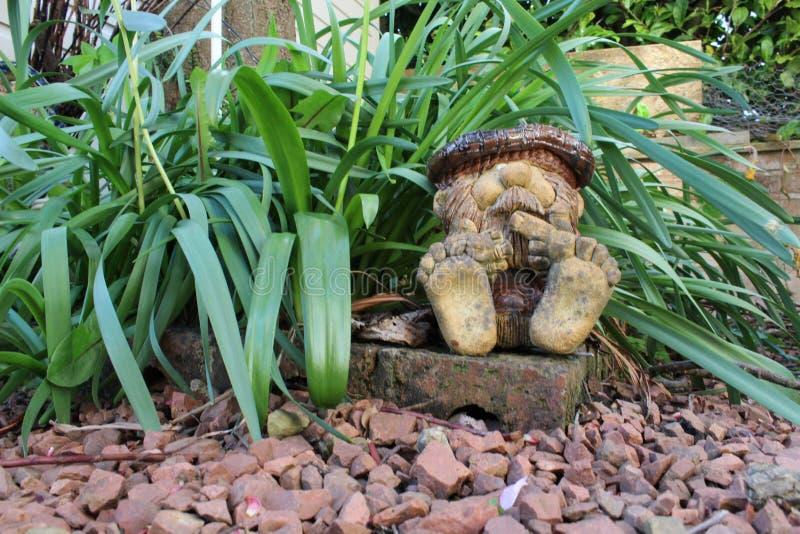 Gnome do jardim fotografia de stock royalty free