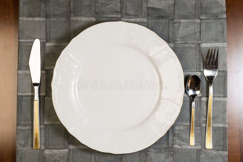 Gość restauracji przygotowywa zdjęcie royalty free