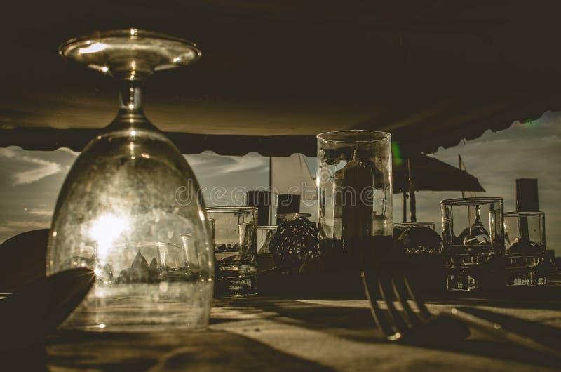 Download Gościa Restauracji Ustalony Romantyczny Dla ślubnego Dekoraci Draka Zdjęcie Stock - Obraz złożonej z restauracja, romans: 57661774