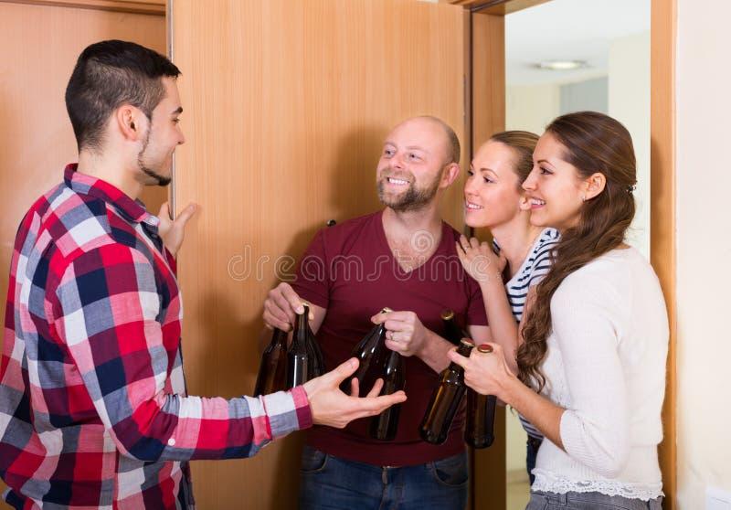Goście stoi w drzwi obraz royalty free