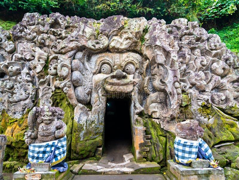 Goa Gajah eller Elephant Cave i Bali, Indonesien royaltyfria bilder