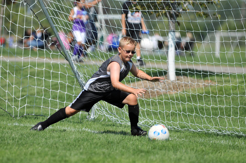 goalie νεολαίες ποδοσφαίρο&ups στοκ φωτογραφία